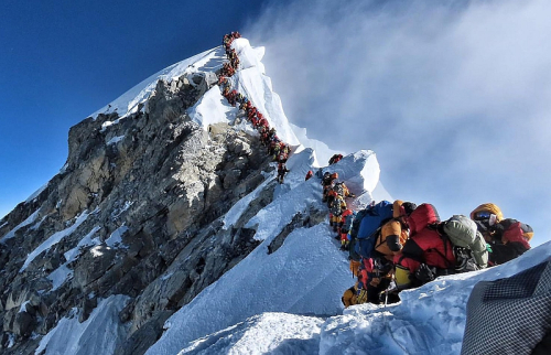 Traffic-jam-mt-everest-2019-crop-resize