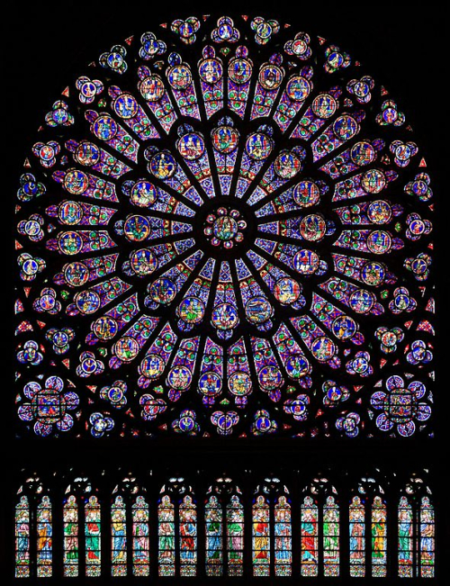 590px-North_rose_window_of_Notre-Dame_de_Paris _Aug_2010